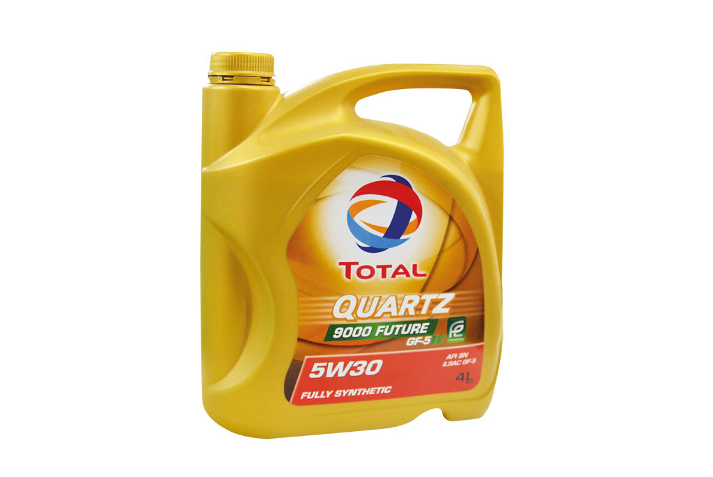 "Total Quartz ""9000 future"" 5W-30 Engine Oil"